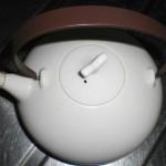 【茶渋落とし】塩素ハイターの使えない金属付き急須のお掃除方法